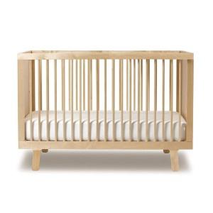 lettino in legno a sbarre per neonati
