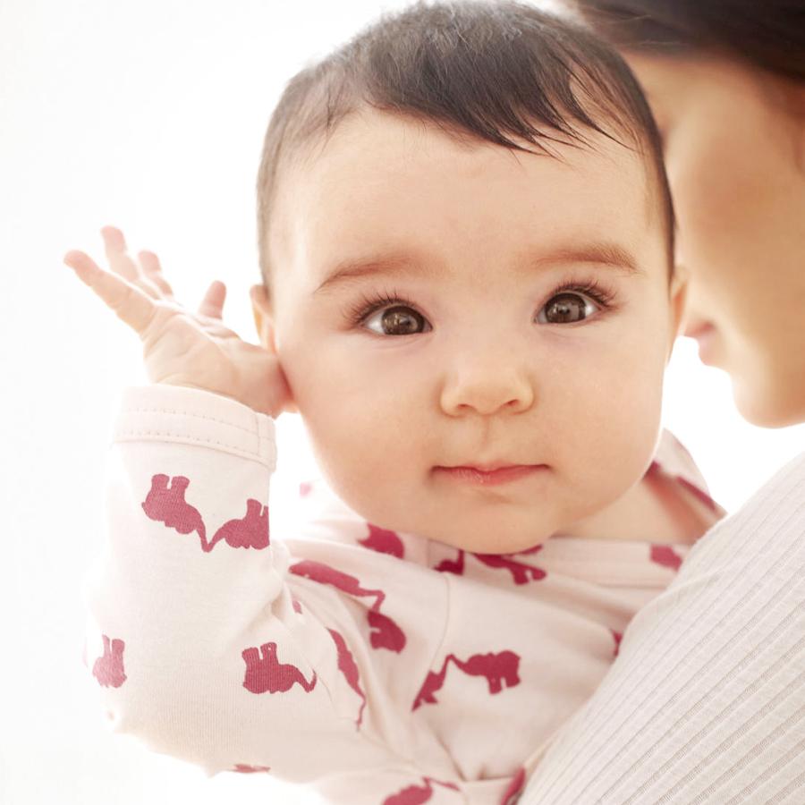 neonato sente suoni