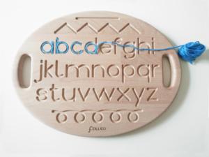 tavoletta sensoriale in legno con alfabeto